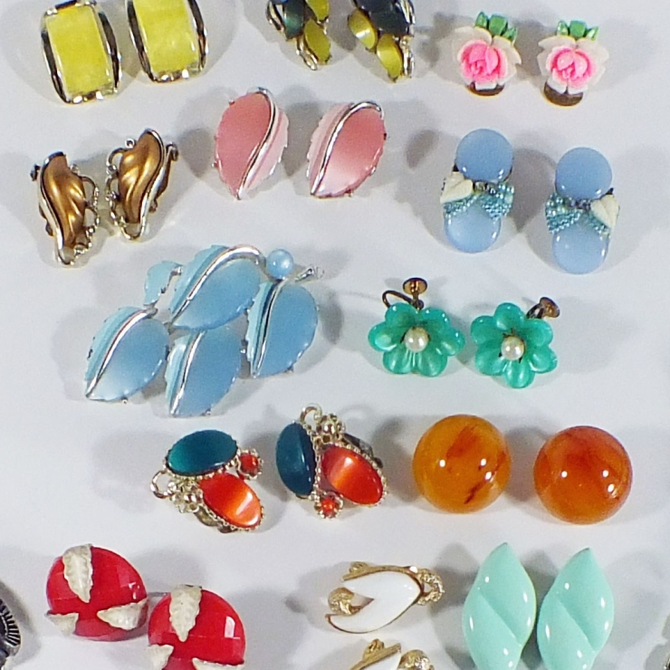 vintage earrings lucite